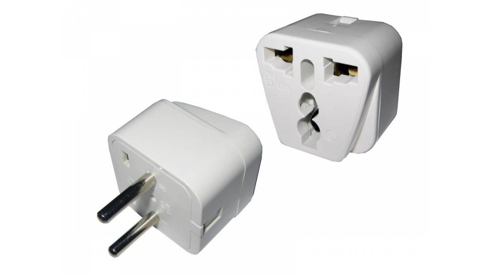 Adaptador de corriente universal a 2 en linea